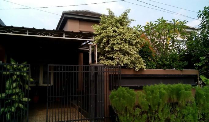 RUMAH DIJUAL Rumah Asri Hadap Taman Sudah Renov Citra Indah City Cileungsi