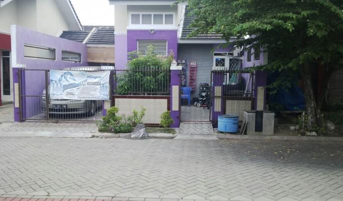 (YP 077) Rumah Sudah Renov depan taman jalan utama dalam cluster citra indah city